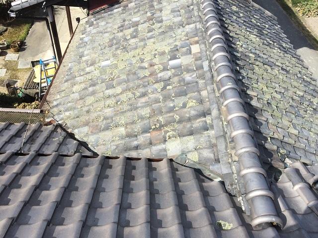 伊賀市 風呂屋根築80年雨漏り