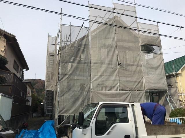 三重県名張市で外壁の塗り替えと帯のコーキングをしました