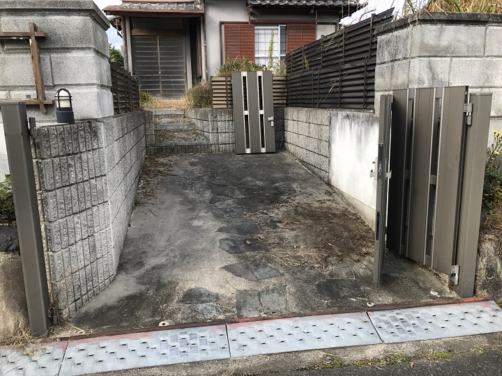 名張市 台風被害 壊れた門扉