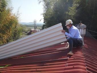 伊賀市スレート屋根葺き替え断熱材付き金属ルーフ