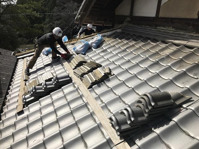 伊賀市 日本家屋棟瓦再利用仮置き