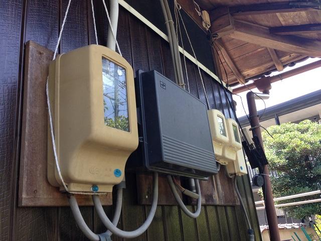 伊賀市 外壁重ね張り 電気系統