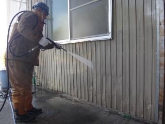 三重県伊賀市で工場の外壁を高圧洗浄