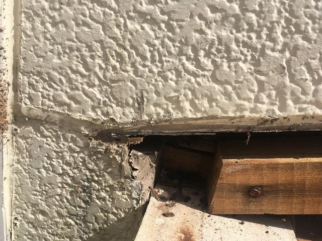 出窓庇 解体後壁際