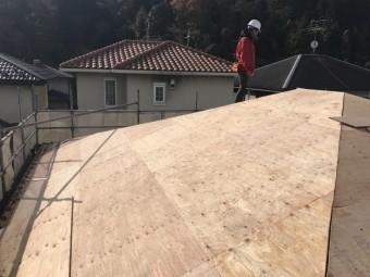 伊賀市 徳永邸大屋根野地板張り後の写真