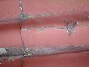 伊賀市築40年スレート屋根割れ