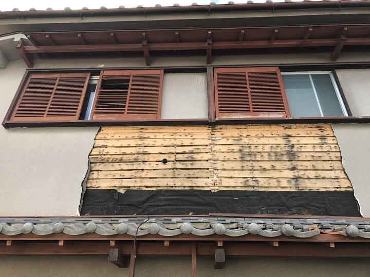 名張市 モルタル壁 崩落