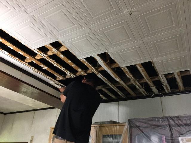 天井 剥がす 1