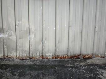 三重県伊賀市外壁トタン裾に錆
