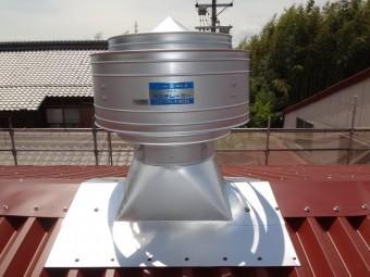 伊賀市 工場屋根上換気扇ガルバリウム鋼板