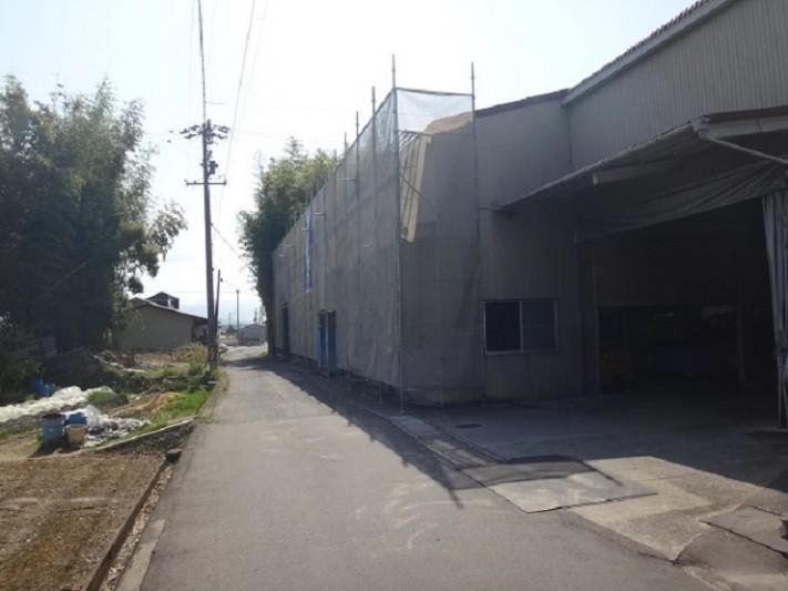 伊賀市工場屋根葺き替え仮設足場