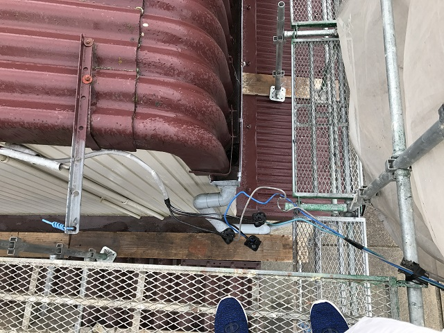 伊賀市 屋根カバー工法 電線の処理